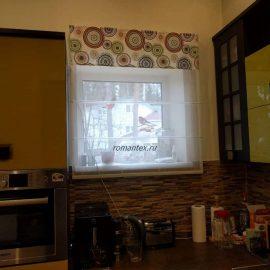 Фото римская штора с ламбрекеном на кухню